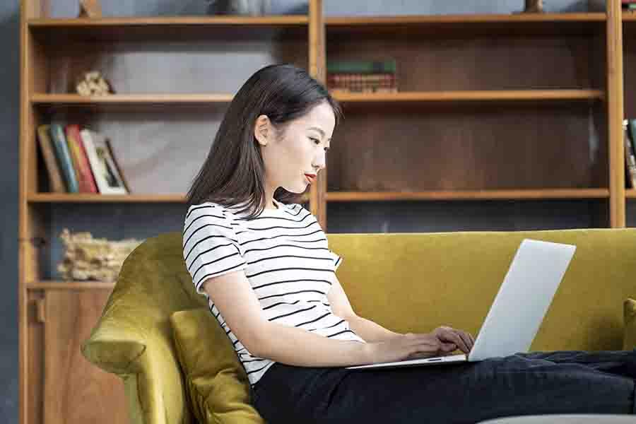 Marketer blogging for B2B SEO